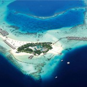 Costance Moofushi Resort